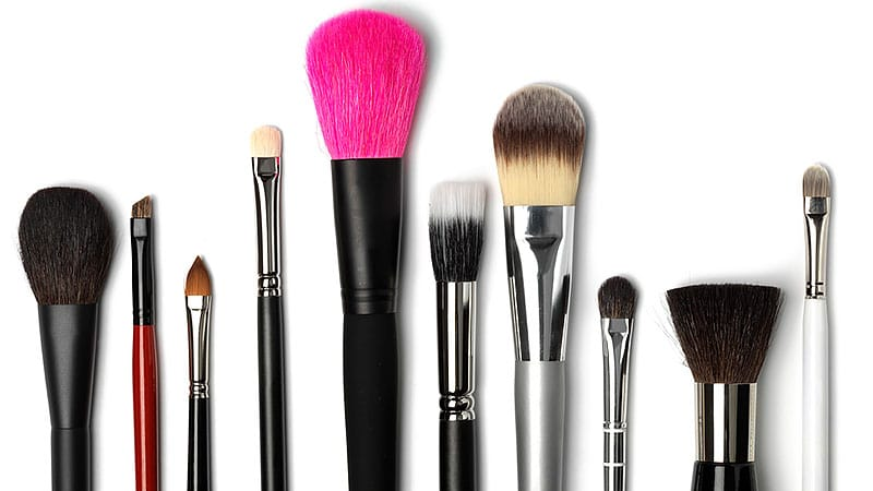 different-types-of-makeup-brushes