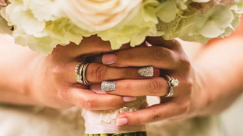 accent wedding nails