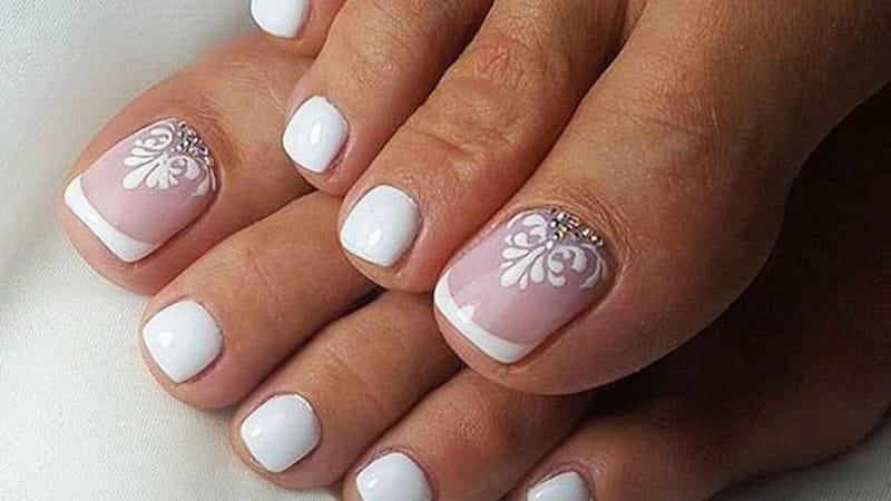 toe nail wedding designs